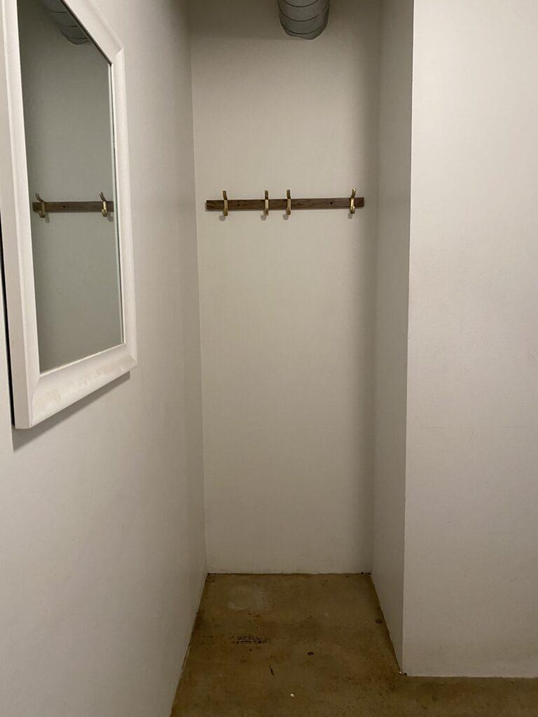 vertical wood slat wall diy